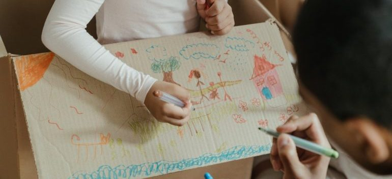 drawing as a great way to tell your kids you are moving